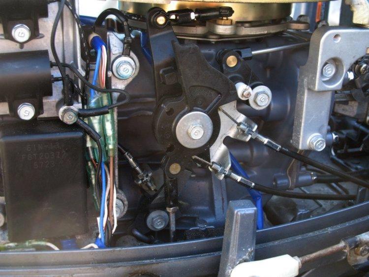 Подключение регулятора напряжения к подвесному лодочному мотору.