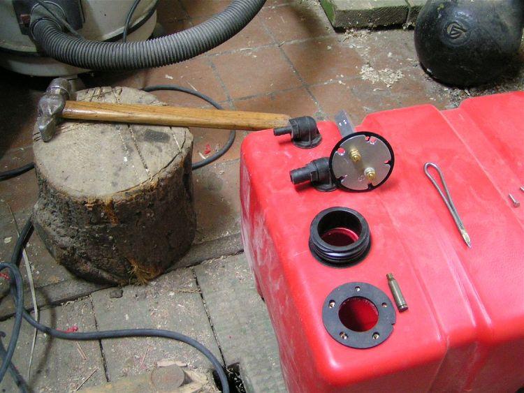 датчик для бака лодочного мотора